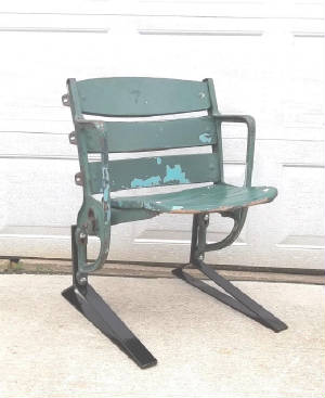 MilwaukeeCountyStadiumseat.jpg